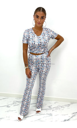 BLUE - 'DYLANA' - SOFT TOUCH FLARE FLORAL TWO PIECE SET