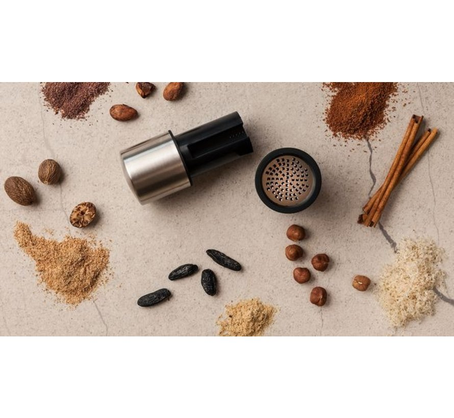 Nootmuskaatmolen Zwart/RVS inclusief Kruiden