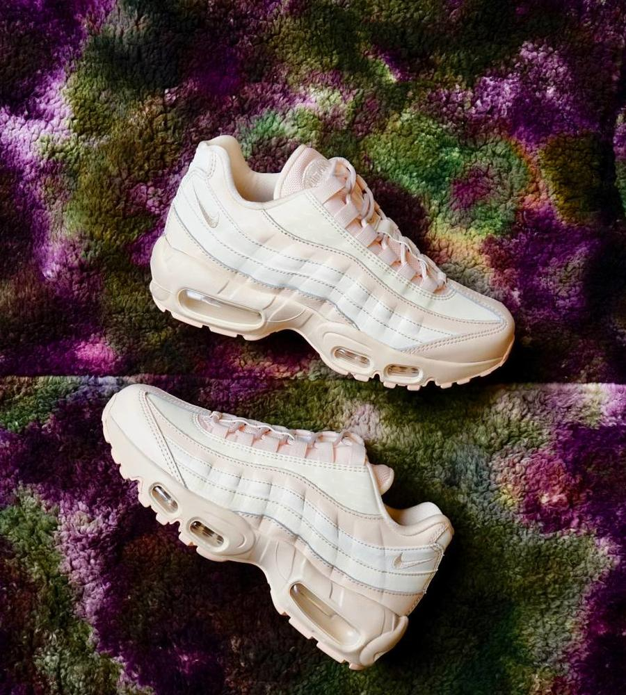 newest collection 5ee2a d69fa Nike Nike air max 95 lx guava ice. Image 1   7