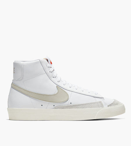 Nike Nike Blazer Mid '77 VNTG White Sail Light Bone