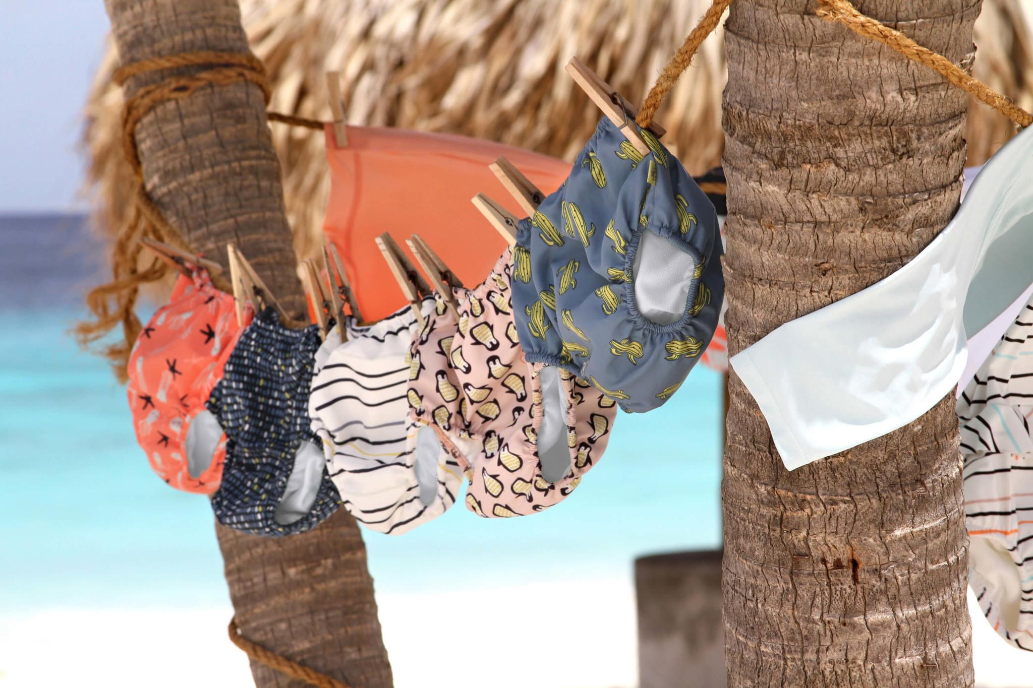 Lässig Lässig Splash & Fun Schwimmwindelhose Cactus Family 12 Monate