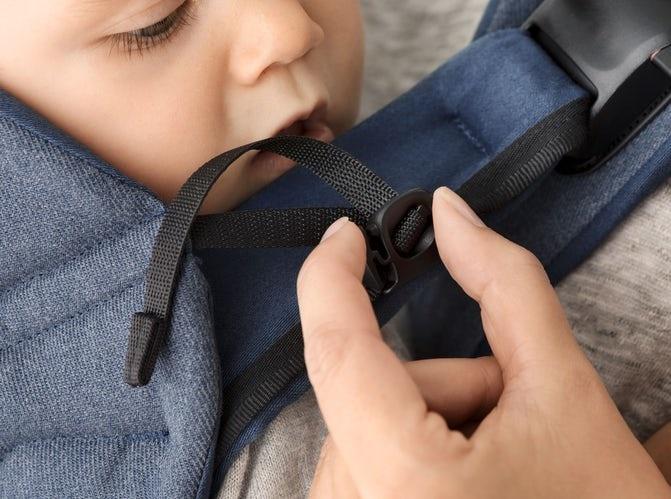 BABYBJÖRN BABYBJÖRN Baby Carrier One  - Klassischer Denim Midnight Blue Cotton Mix