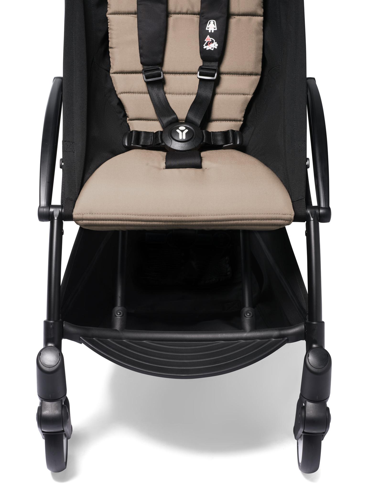 Babyzen Babyzen YOYO² buggy COMPLEET / FULL SET 0+ and 6+ taupe frame wit incl. YOYO² BeSafe autostoel zwart