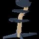 Nomi NOMI highchair: ideale set vanaf 6 maanden met Basis met Meegroeistoel, Zitkussen, Beugel, Tray en Harnas - Basis eiken wit oiled, stoel Navy