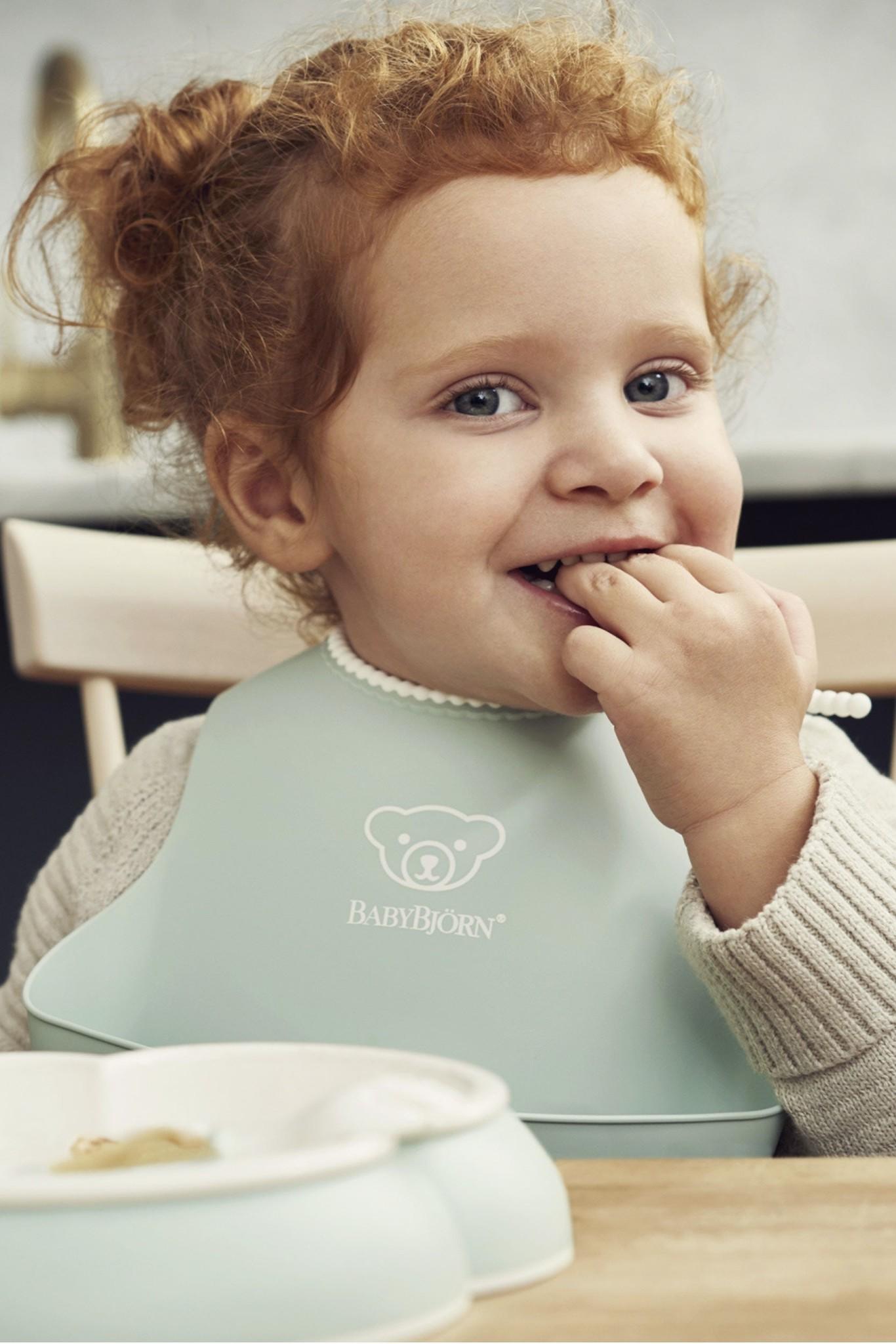BABYBJÖRN BABYBJÖRN Baby Lätzchen großes Pastellgrün