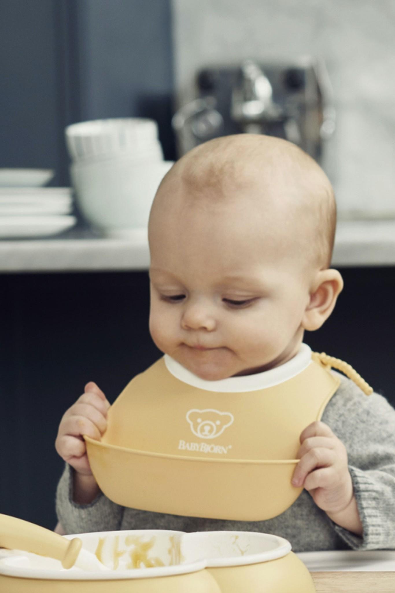 BABYBJÖRN BABYBJÖRN Lätzchen Set groß und klein Pastellgelb
