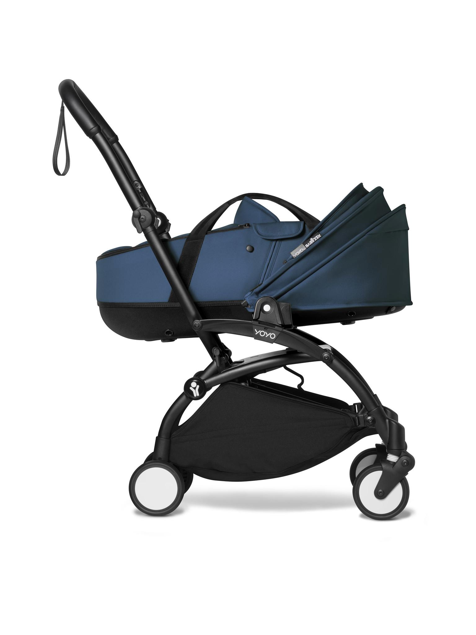 Babyzen Babyzen YOYO² zwart frame met YOYO Bassinet - reiswieg - Navy blue