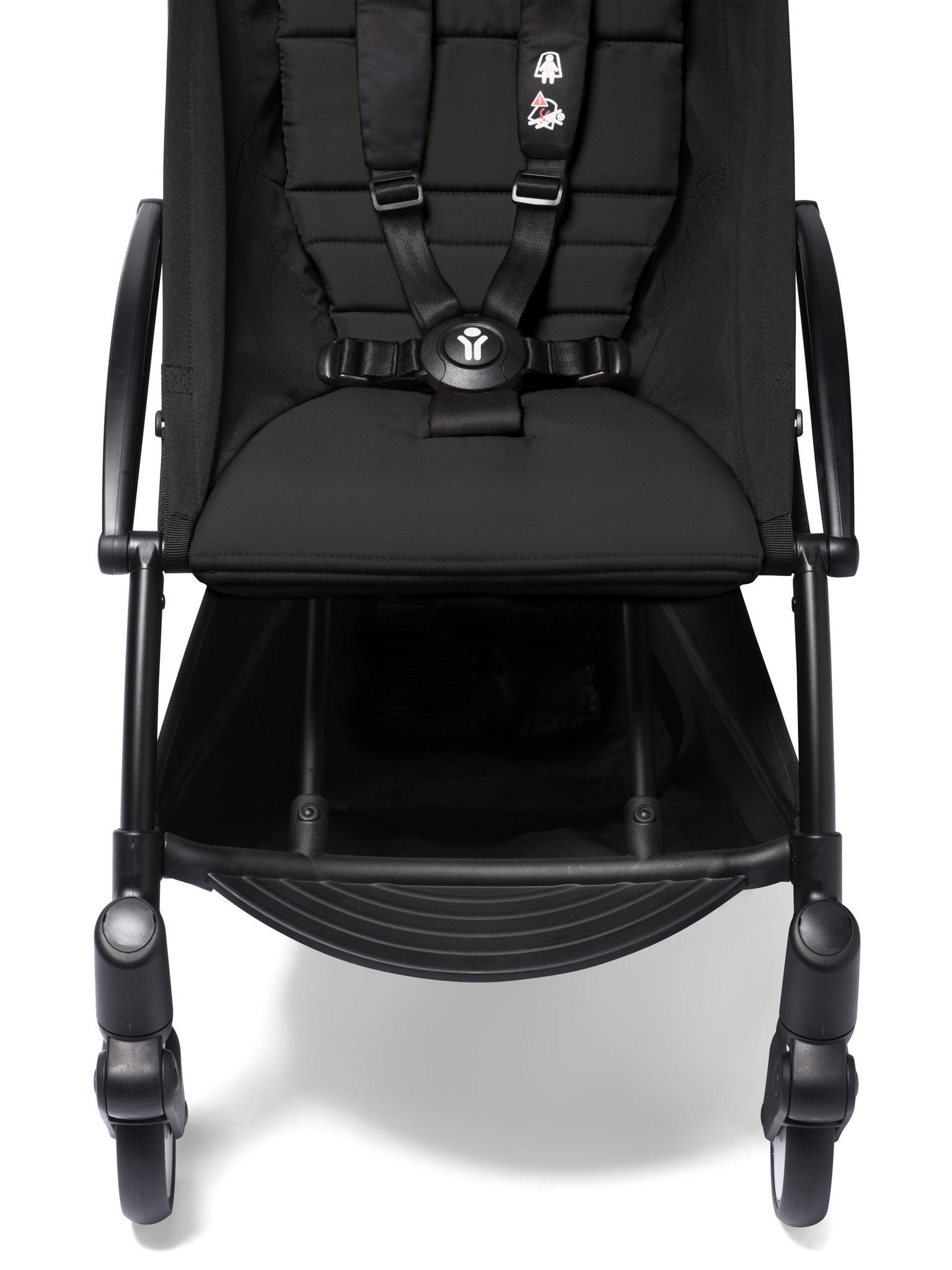 Babyzen Babyzen YOYO² Buggy ab 6 Monaten inklusive Beinstütze - schwarz mit schwarzem Rahmen