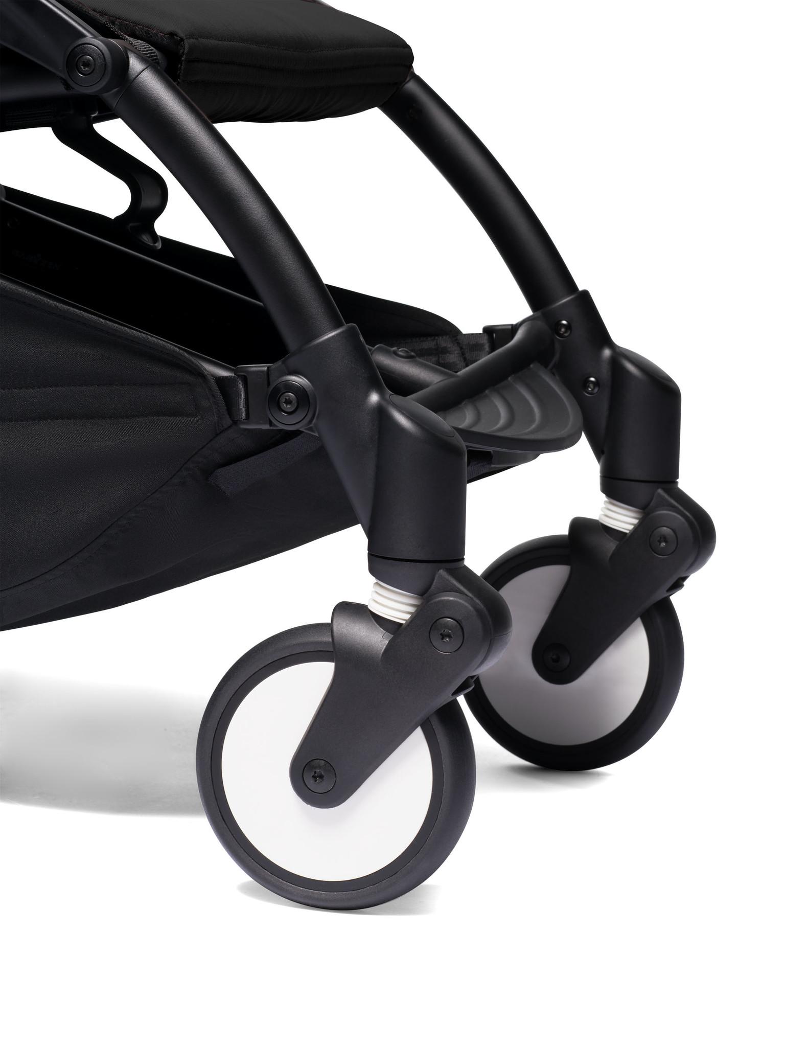 Babyzen Babyzen YOYO² buggy vanaf 6 maanden inclusief beensteun -  zwart met frame wit