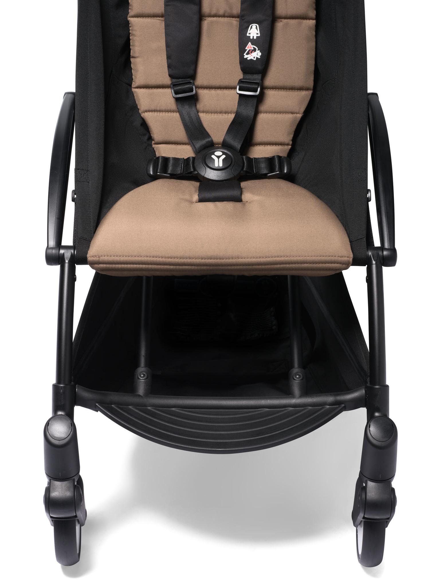 Babyzen Babyzen YOYO² buggy vanaf 6 maanden inclusief beensteun -  toffee met frame zwart