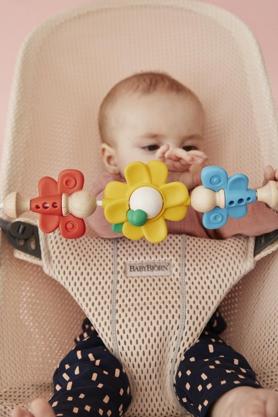 BABYBJÖRN BABYBJÖRN Baby Türsteher Bliss Bundle Pearl Pink 3D Mesh-Flying Friends