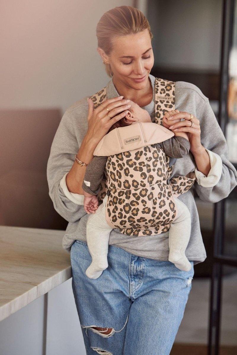 BABYBJÖRN BABYBJÖRN Babytrage Mini Beige Leopard Cotton