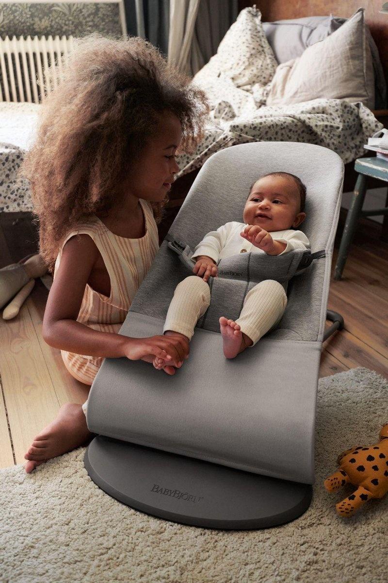 BABYBJÖRN BABYBJÖRN Wipstoeltje Bliss Lichtgrijs 3D Jersey met Transporttas Zwart