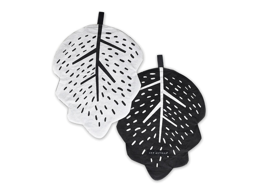 Wee Gallery - Crinkle Toys Leaf