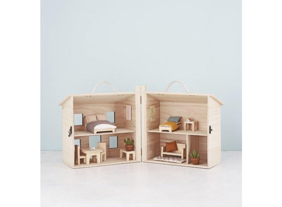Olli & Ella - Holdie House