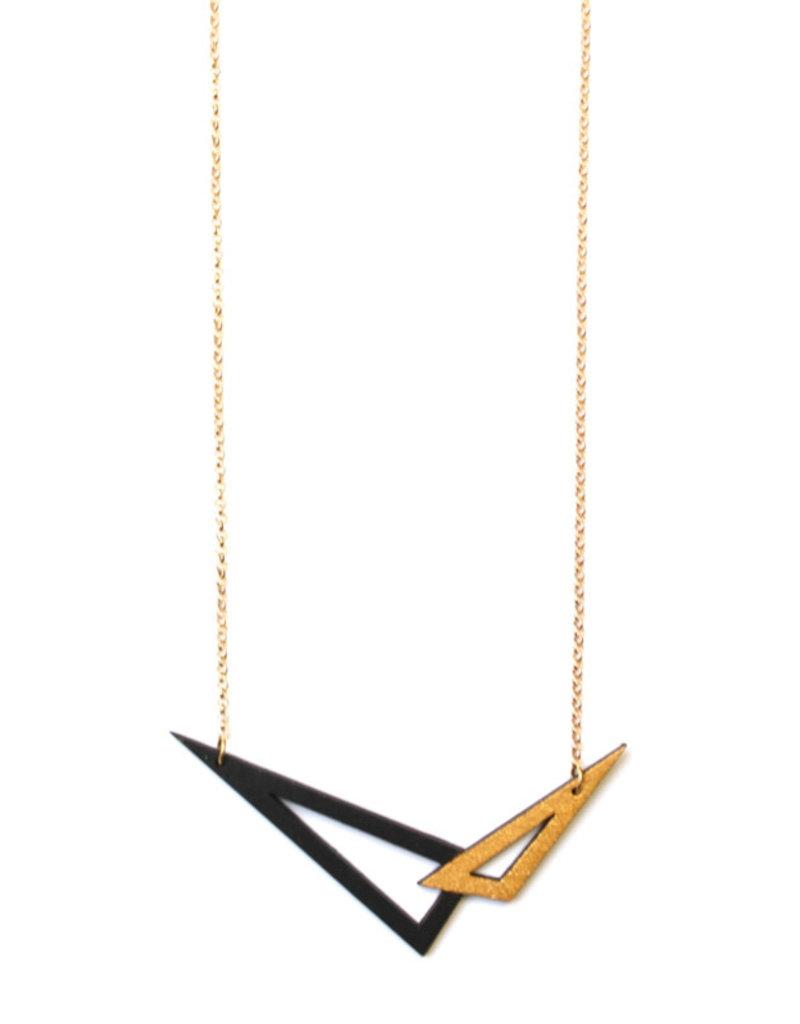 Ella Marie Ella Marie - Halsketting 2 driehoeken - Goud/ Zwart