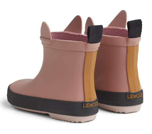 Shoes & boots for girls