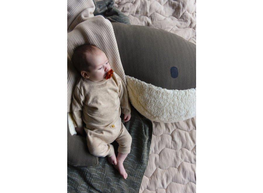 Nanami - (Borst)voedingskussen Whale Momo Army