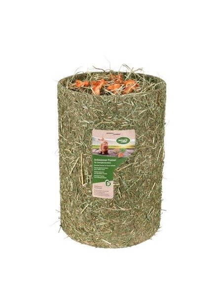 Naturhof Schröder Hay tunnel filled with hay and carrots