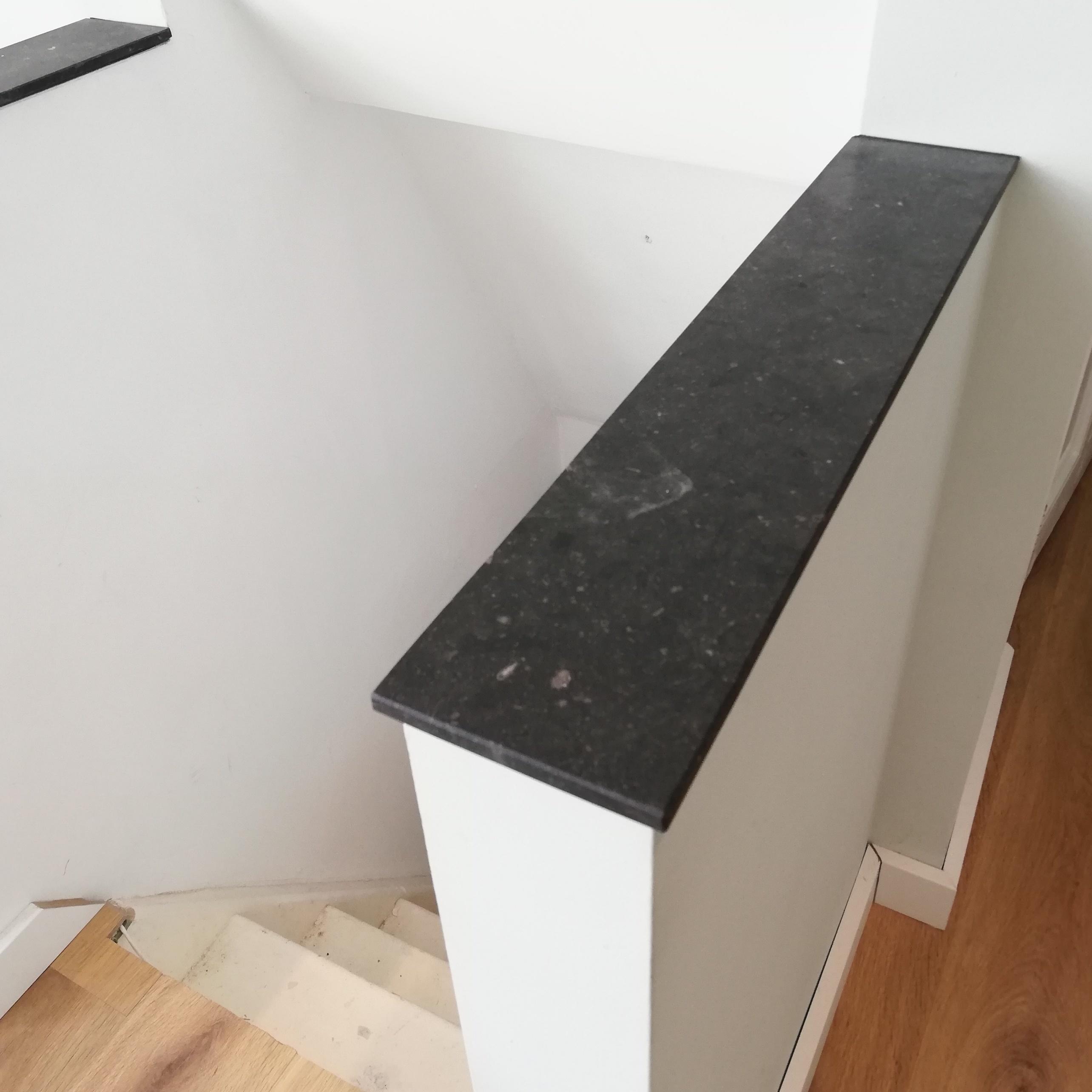 Vensterbank Belgisch hardsteen donker gezoet 3 cm dik - OP MAAT- 10-70 cm breed - 10-230 cm lang - Antraciet - Belgisch hardsteen - arduin