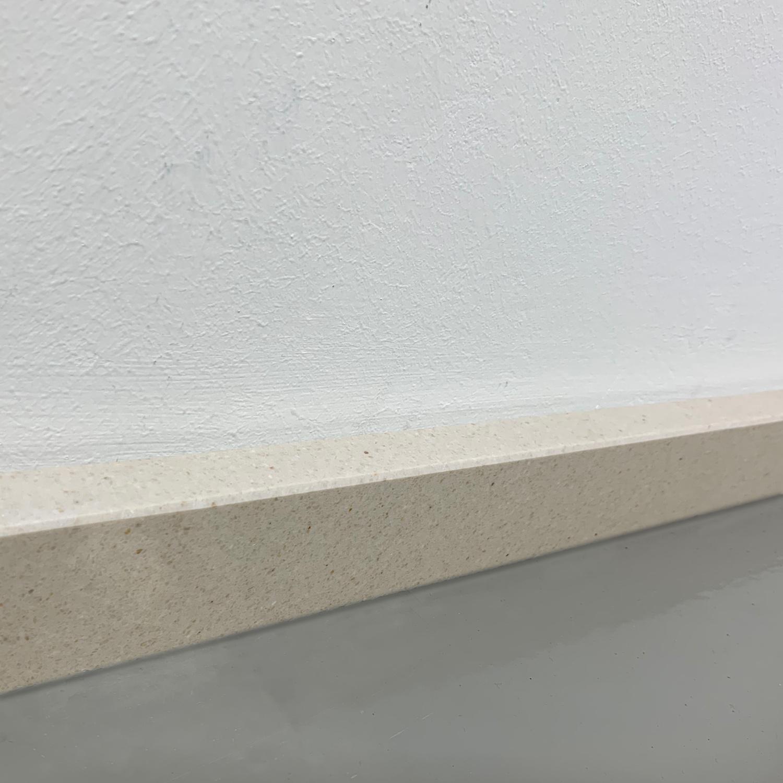 Plint composiet Beige 2 cm dik - OP MAAT-  5-25 cm breed - 50-120 cm lang - Muurplint gepolijst marmer composiet