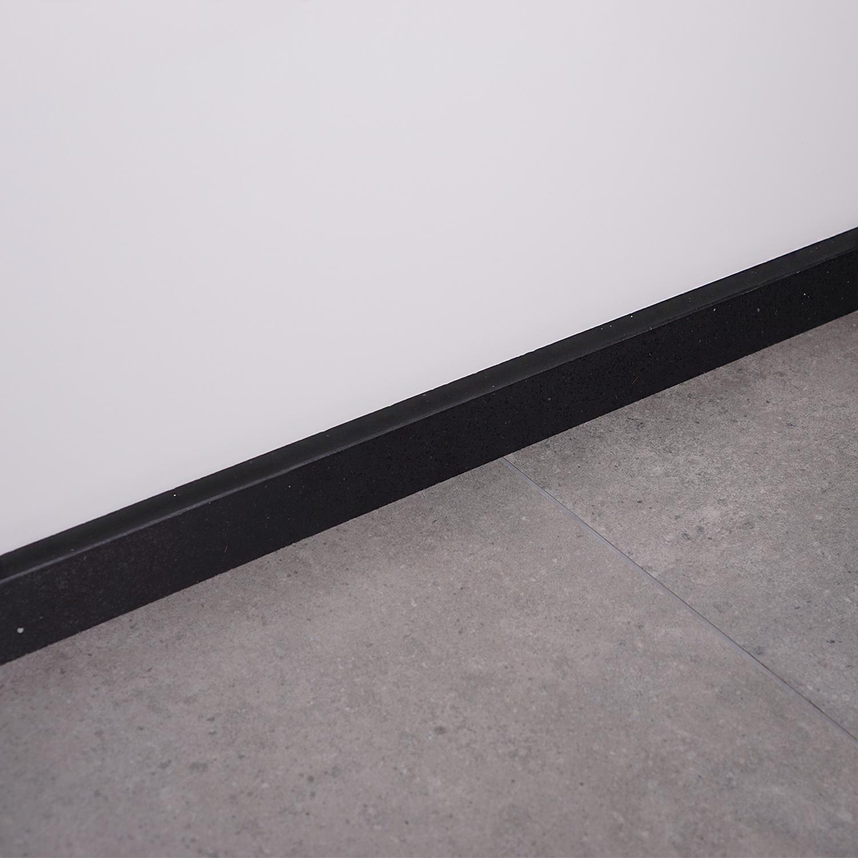 Plint kwartscomposiet zwart spark - 1 cm dik - OP MAAT-  5-25 cm hoog - 50-120 cm lang - Muurplint gepolijst quatz composiet zwarte natuursteen look met glitter