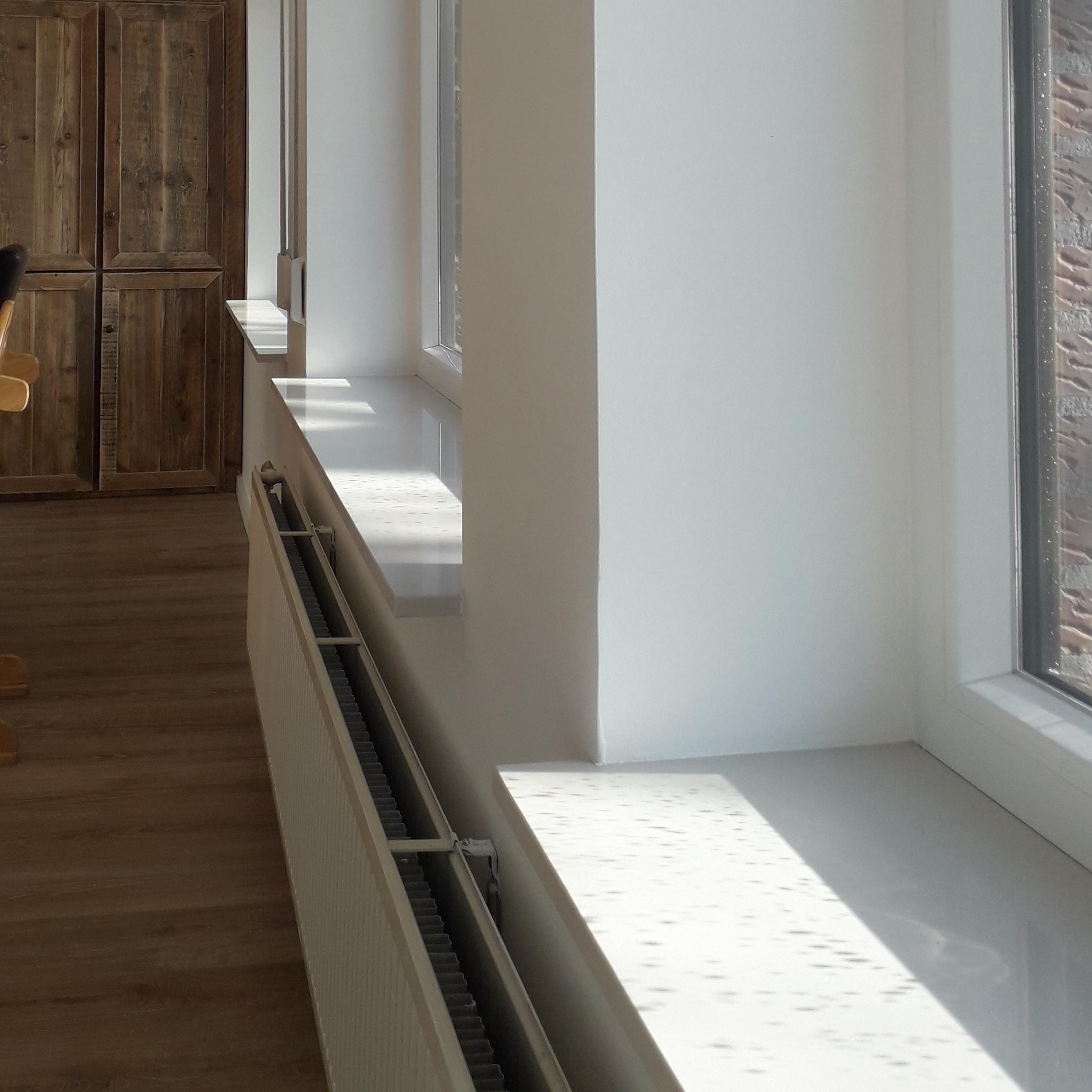 Vensterbank composiet White - OP MAAT - 2 cm dik - 10-70 cm breed - 10-230 cm lang -  Gepolijst marmer composiet wit