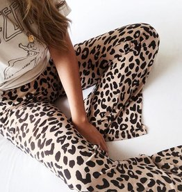 Wild Cat Flared Leggings