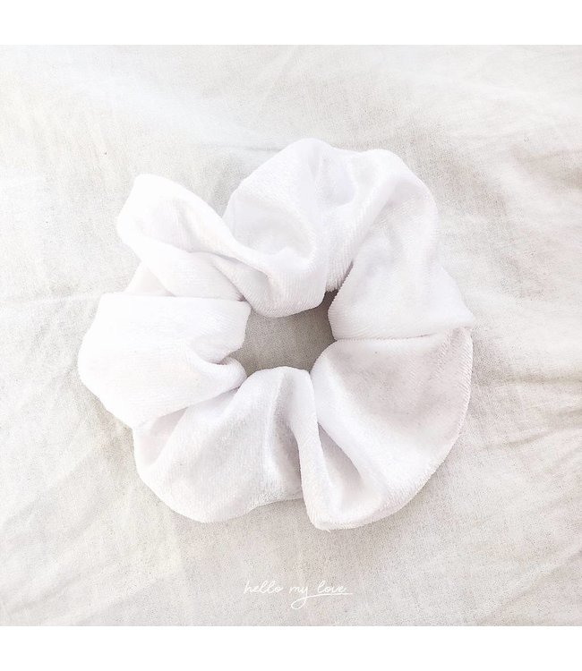 Cara Velvet Scrunchie / White
