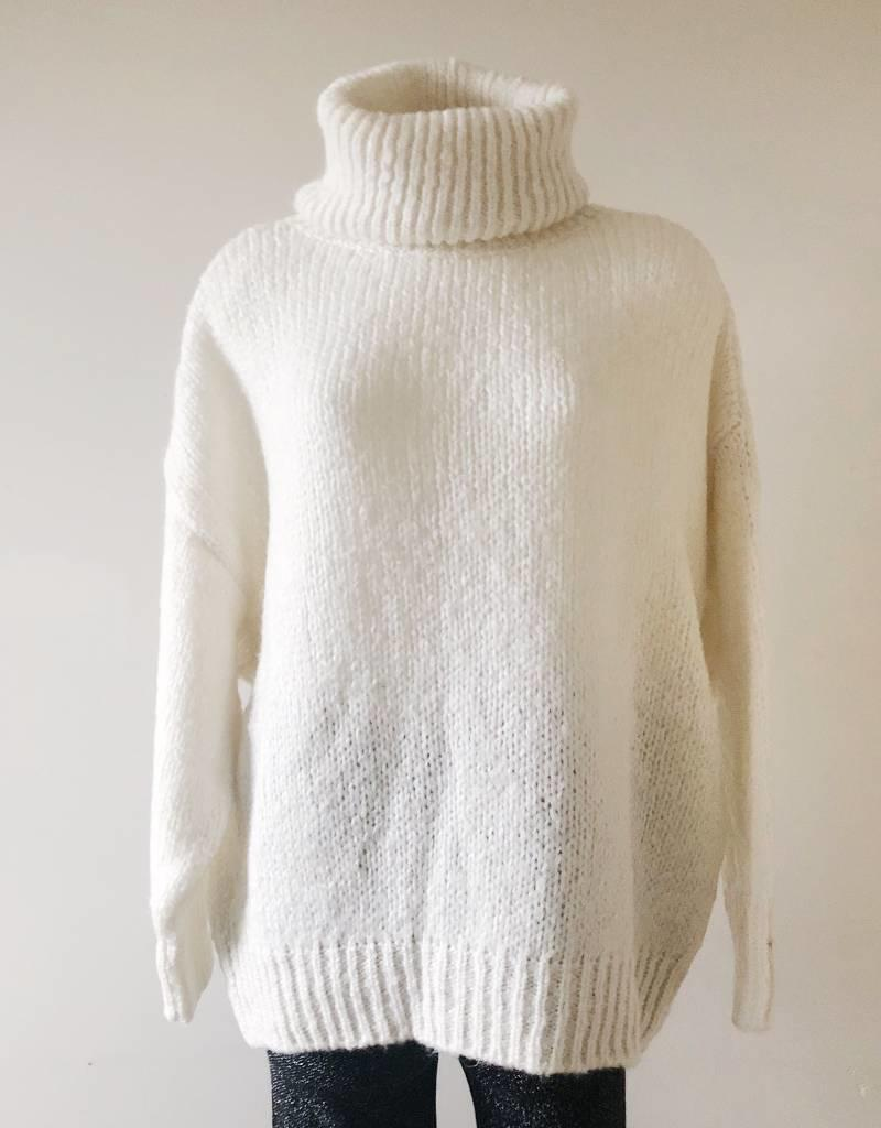 Julia Oversized Knit Sweater / Ecru