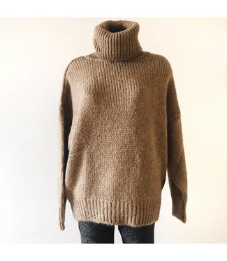 Julia Oversized Knit Sweater / Brown