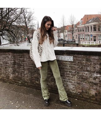 Corduroy Flared Trousers / Green