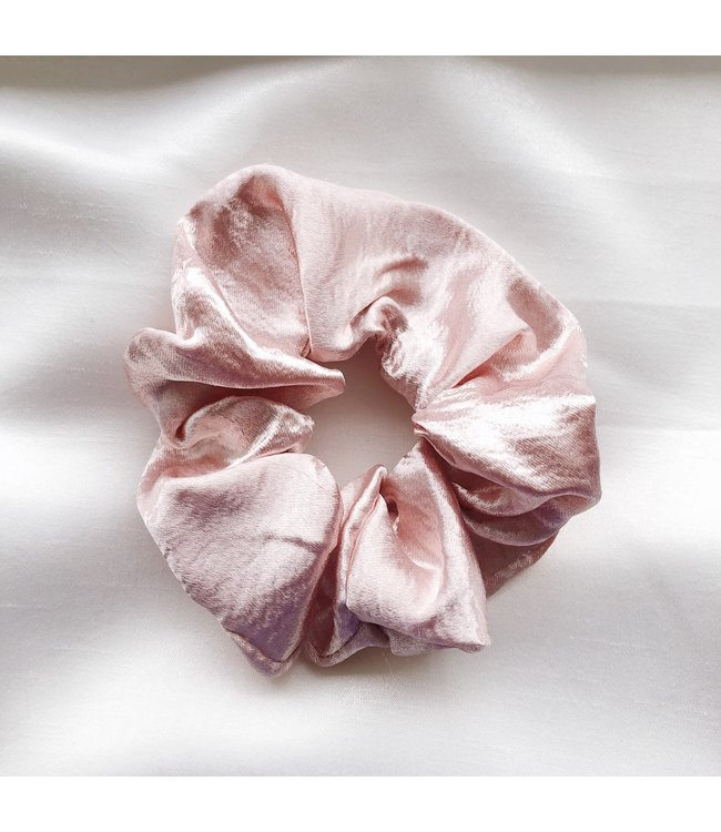Cara Satin Scrunchie / Light Pink
