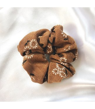 Cara Flower Corduroy Scrunchie / Brown