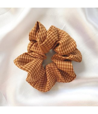 Cara Checkered Scrunchie / Orange