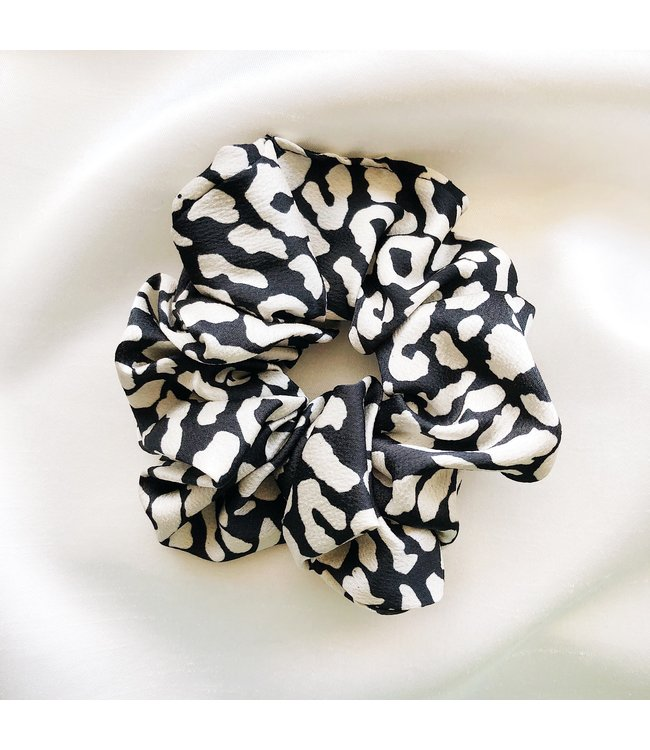 Cara Leopard Scrunchie / Black
