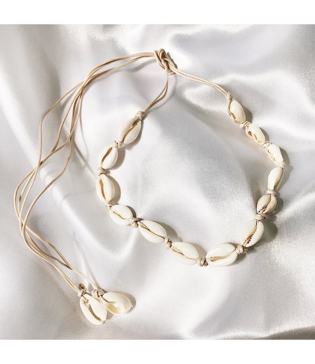 Malia Shell Choker Necklace / Beige