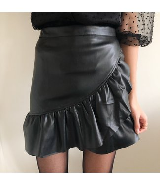 Harlow Faux Leather Skirt / Black