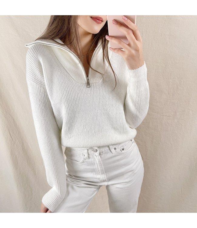 Kuma Ribbed Zip Sweater / White
