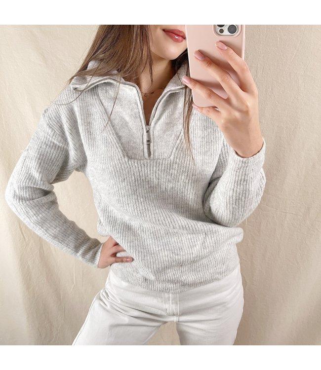 Kuma Ribbed Zip Sweater / Grey