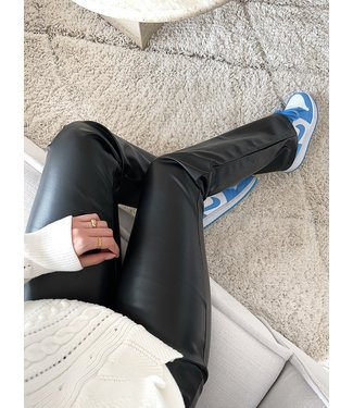 Khai Faux Leather Flared Trousers / Black