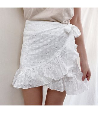 Finette Embroidered Skirt / White