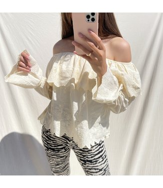 Alessia Embroidered Off Shoulder Top / Yellow