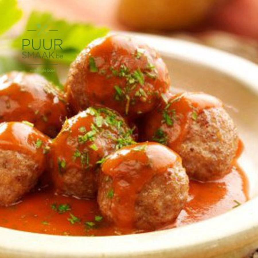 Balletjes in saus van tomaat en paprika  bereid in eigen keuken-1