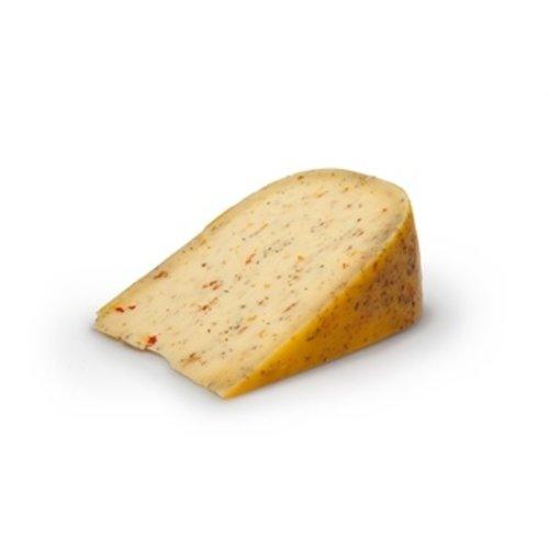 Belegen kaas met Italiaanse kruiden