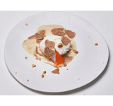 Gepocheerd ei/foiesaus/ pastinaakcrème/hazelnoot