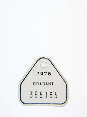 Belasting & Douane Museum White bicycle licence plate, 1978