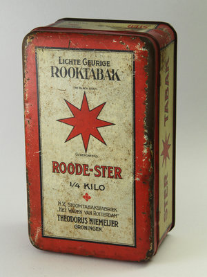 Amsterdam Pipe Museum Tobacco case red star
