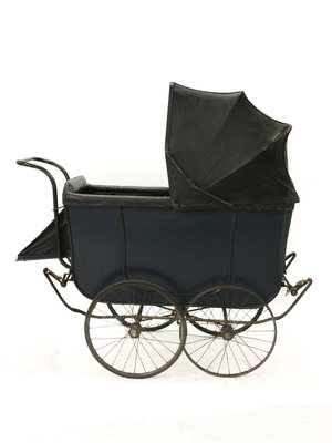 Kinderwagenmuseum English pram, 1935