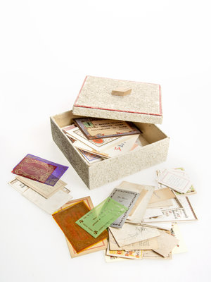 Bijbels Museum Box of calligraphy cards